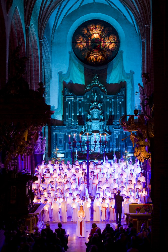 Lucia_celebration_in_church_2_Photo_Henrik_Trygg_Low-res