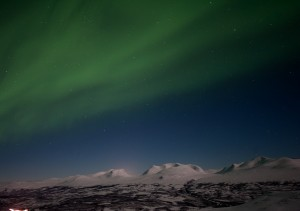 lola_akinmade_akerstrom-northern_lights_over_abisko-2604