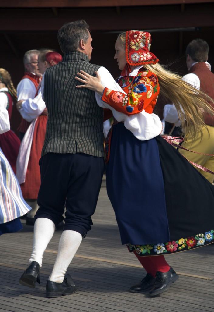ola_ericson-midsummer_dance-157